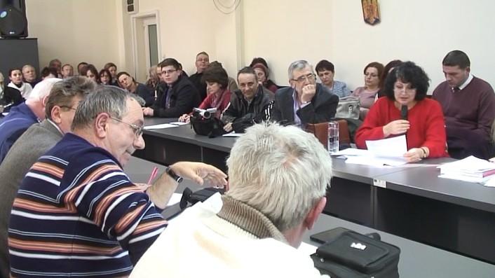 FOTO/VIDEO Liceele Oltchim și Henri Coandă nu se desființează, nu ...